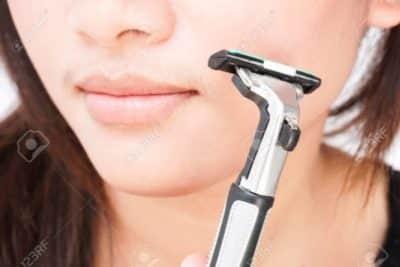 rasoio viso per donna